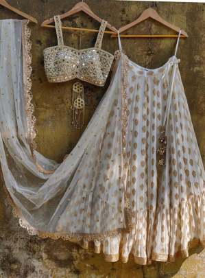 OFF WHITE BANARASI JACQUARD HEAVY WORK
